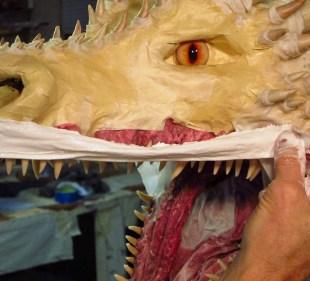 paper mache Drogon- lips 1